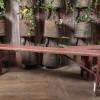 banc_ancien_bois_peint rouge_brasserie_allemande_vue_complete