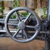 table_industrielle_fonte_ajustable_avec_engrenages_detail_roue