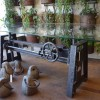 table_industrielle_fonte_ajustable_avec_engrenages_vue_de_cote